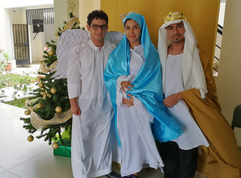 Vincentian Volunteers share Christmas spirit