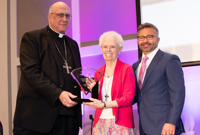'Sanctity of Life' award to Sister Vickie